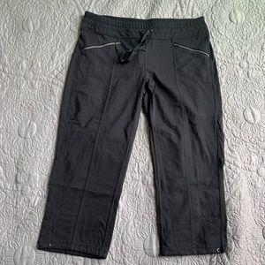 Athleta black crop pants size L
